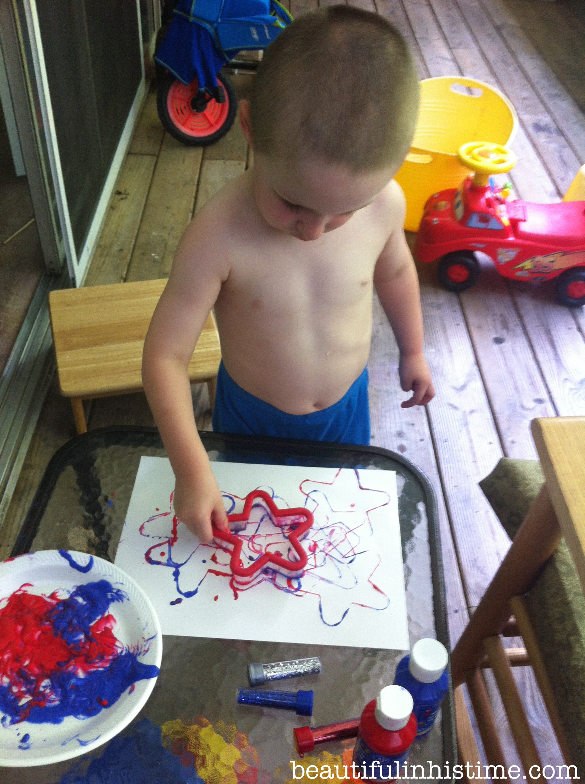 star cookie cutter painting #patriotic #preschool unit #4thofjuly #homeschool #independenceday